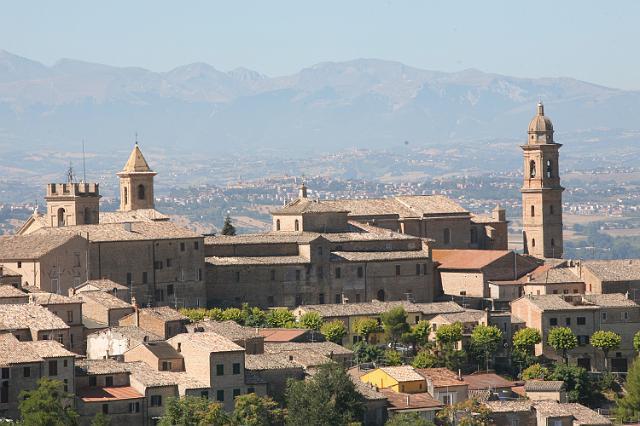 Foto di mercatini e fiere civitanova eventi for Calendario mercatini antiquariato